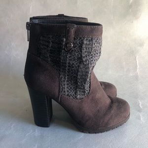 3/$20 JUICY COUTURE BROWN ANKLE BOOTS